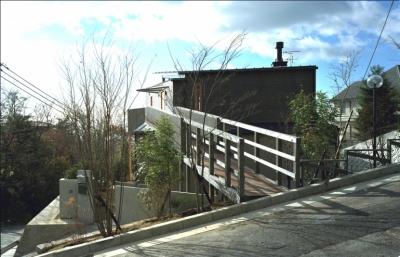 高台の家 (北側全景)