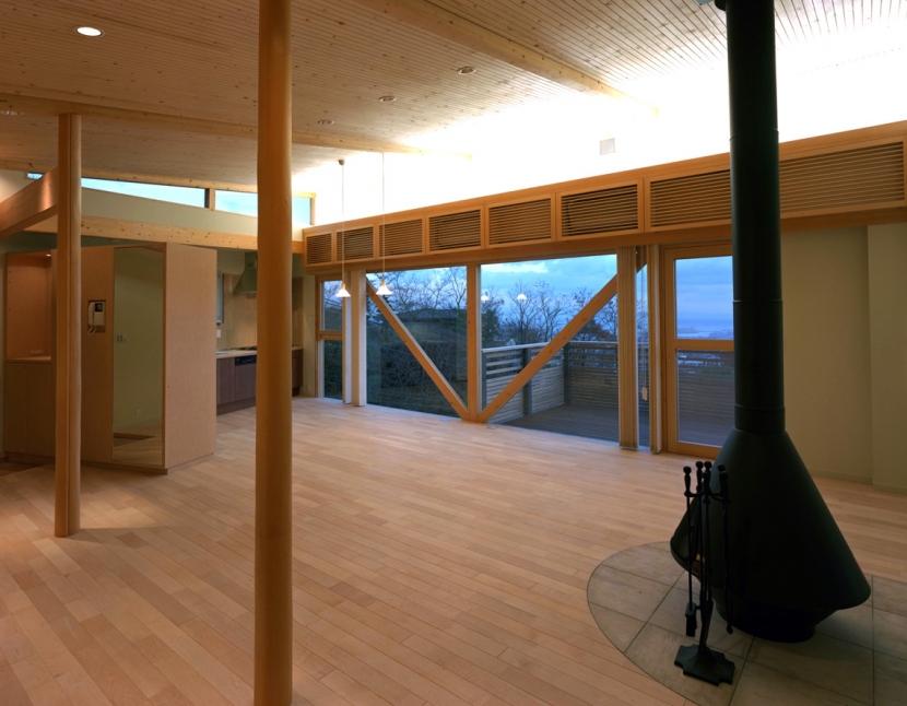 高台の家の部屋 広間2