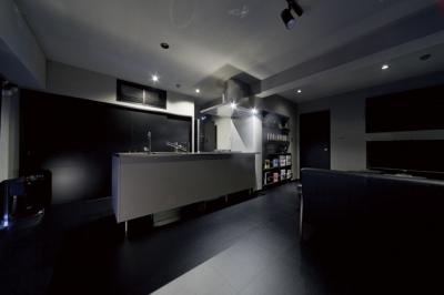キッチン1 (黒い家)