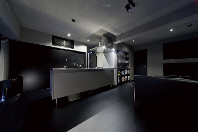 黒い家の写真 キッチン1