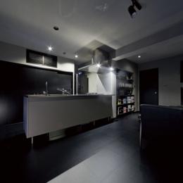 黒い家 (キッチン2)