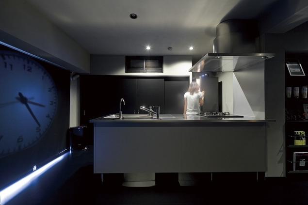 黒い家の写真 キッチン3