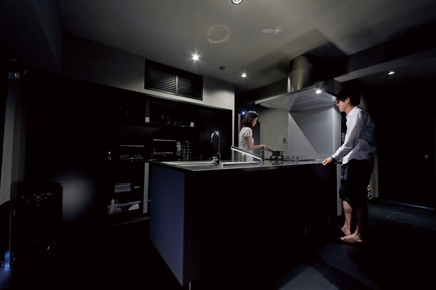 黒い家の写真 キッチン4