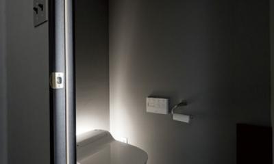 黒い家 (トイレ)