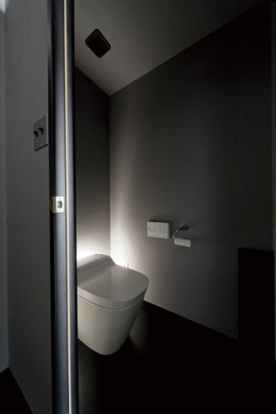 トイレ (黒い家)