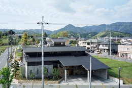 混構造の家 (北側全景)