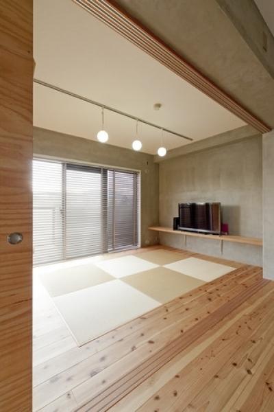 和室1 (回遊式WICは見た目も使い勝手も上々。スギの香り漂うリノベーション)