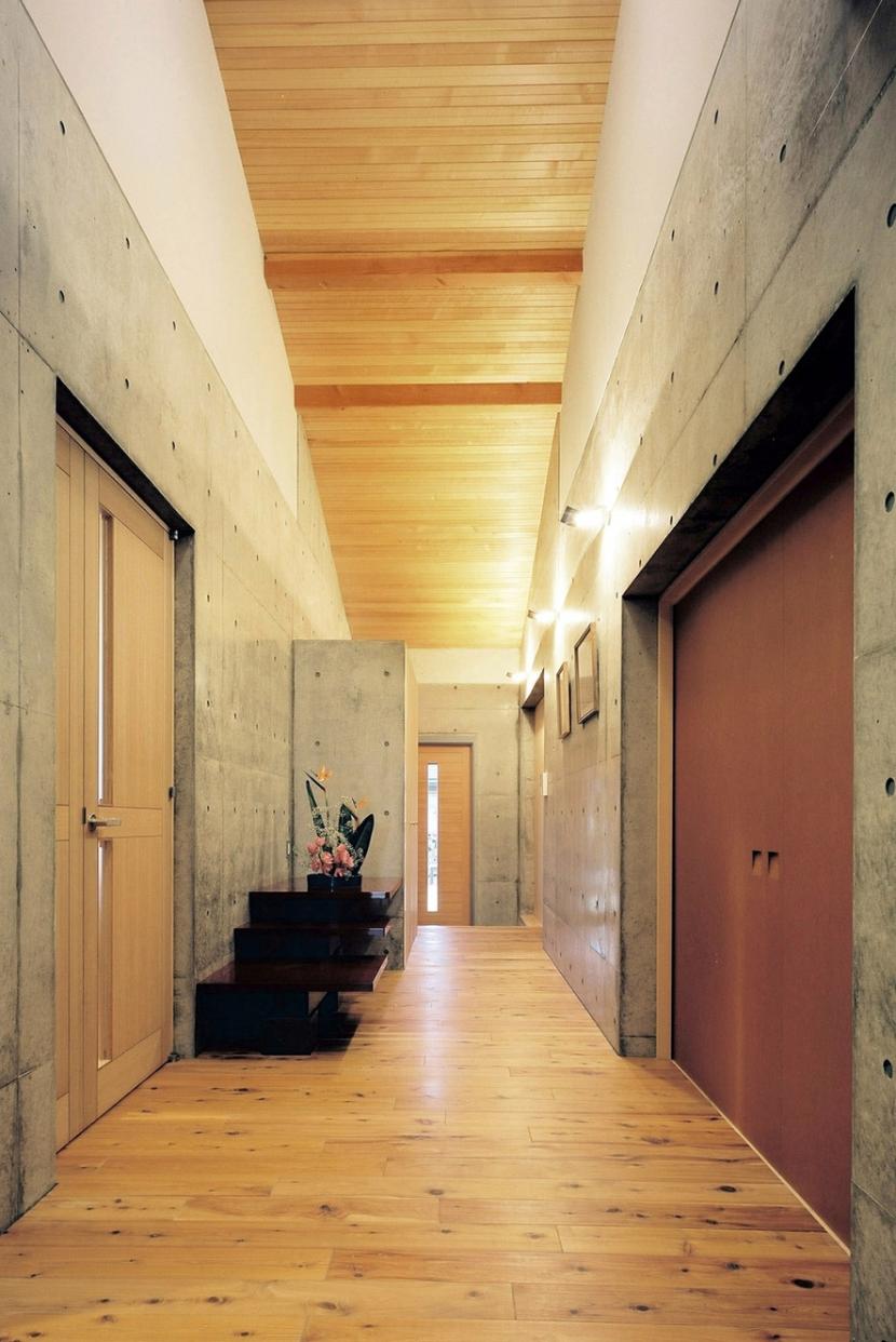 混構造の家の部屋 玄関ホール