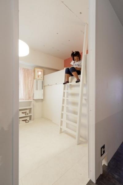 子供部屋 (白いモルタル塗装はカフェよりカフェに?!人も集まり、猫も気持ちよくなるリノベーション)