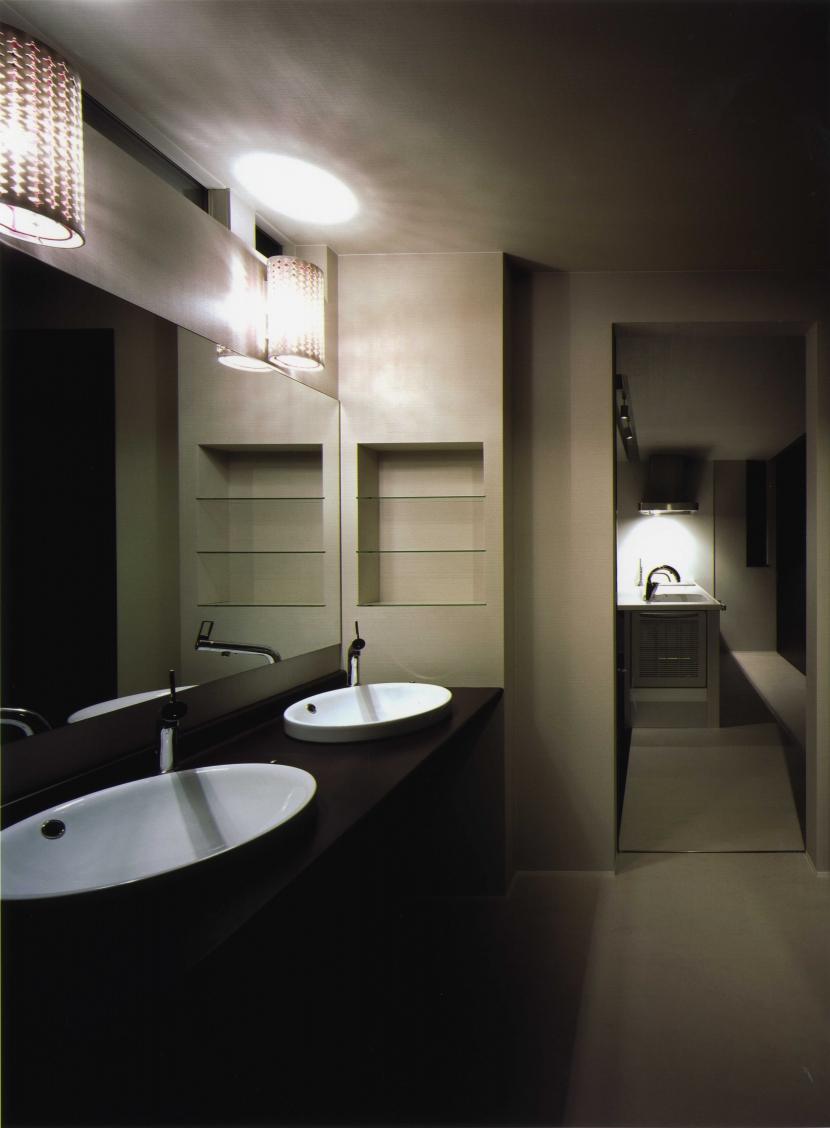 T-house「光庭のある家」の部屋 トイレ/バス