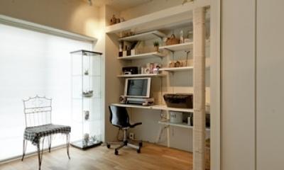 書斎|白いモルタル塗装はカフェよりカフェに?!人も集まり、猫も気持ちよくなるリノベーション