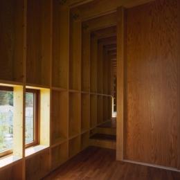 材木座の家 (浴室の裏の空間(撮影:淺川敏))