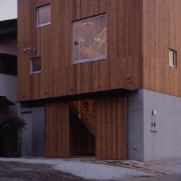 海老名の家 (外観-玄関(撮影:淺川敏))