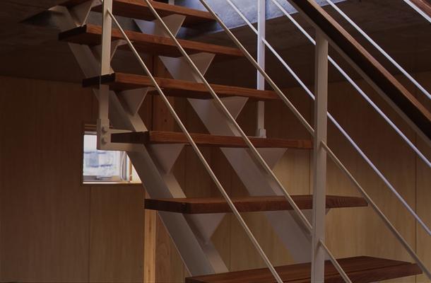 海老名の家の部屋 階段(撮影:淺川敏)