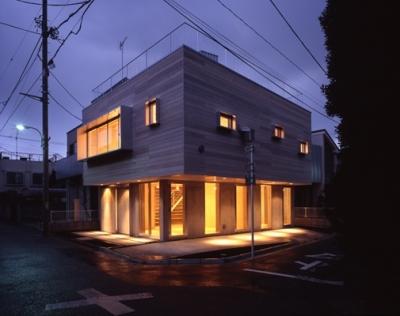 西荻の家 (外観-夜間(撮影:淺川敏))