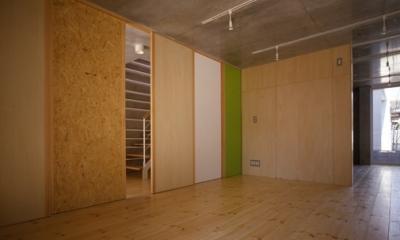 西荻の家 (1階-間仕切りclosed(撮影:淺川敏))
