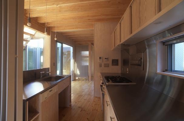 西荻の家の部屋 キッチン(撮影:淺川敏)