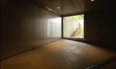 駐車場(撮影:淺川敏)|代々木西原の家