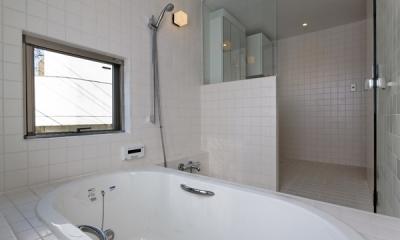 浴室(撮影:淺川敏)|目黒南の家