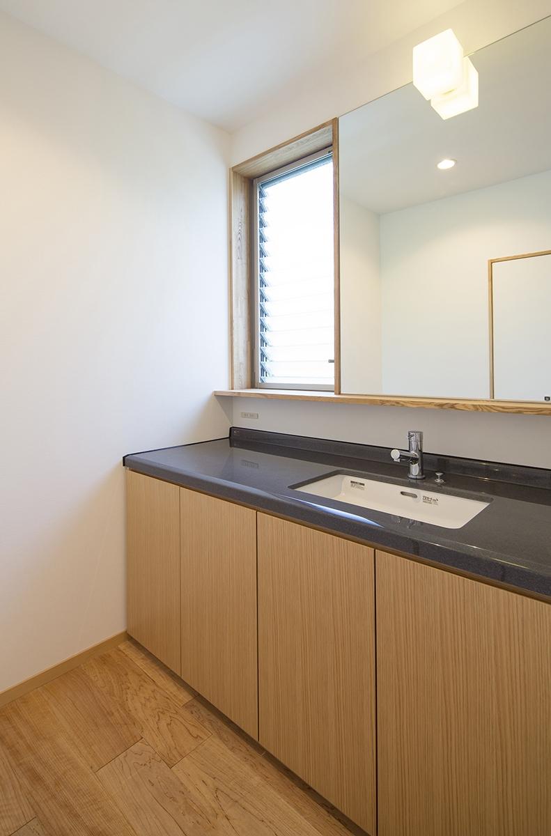 魚津の家の写真 洗面所