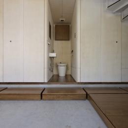 五反野の家 (トイレ(撮影:淺川敏))