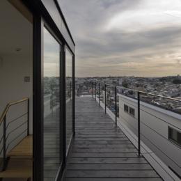 日吉の家 (屋上テラス1(撮影:淺川敏))
