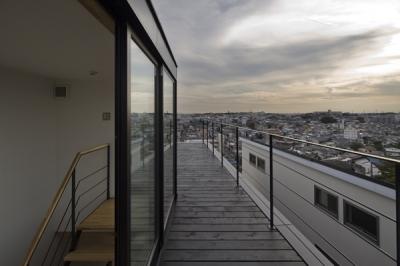 屋上テラス1(撮影:淺川敏) (日吉の家)