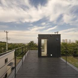 日吉の家 (屋上テラス2(撮影:淺川敏))