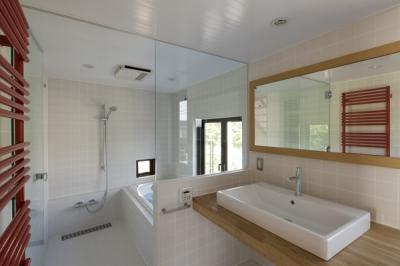 浴室(撮影:淺川敏) (日吉の家)