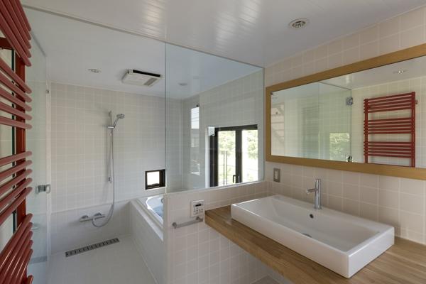 日吉の家 (浴室(撮影:淺川敏))