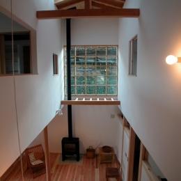 厚木の家 (光を入れる吹抜け)