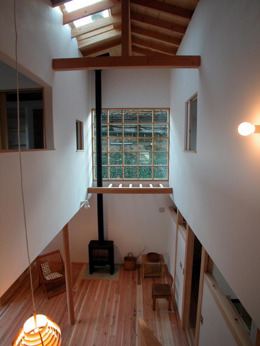 厚木の家の写真 光を入れる吹抜け