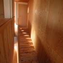 スロープ階段の家
