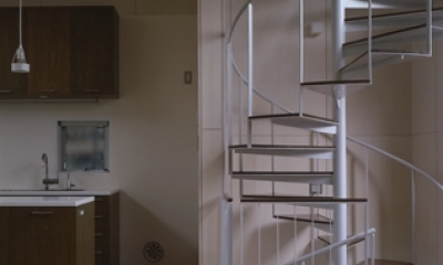 五反野の家 (螺旋階段(撮影:淺川敏))
