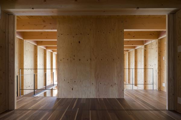 和賀材木座の家 — 空(くう)の箱 —の部屋 ギャラリー(撮影:淺川敏)