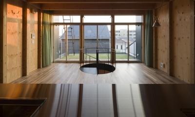 キッチンからの眺め(撮影:淺川敏) 和賀材木座の家 — 空(くう)の箱 —