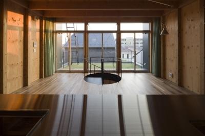 キッチンからの眺め(撮影:淺川敏) (和賀材木座の家 — 空(くう)の箱 —)