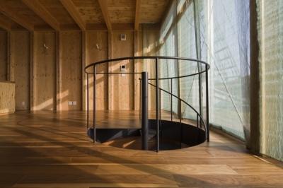 螺旋階段2(撮影:淺川敏) (和賀材木座の家 — 空(くう)の箱 —)