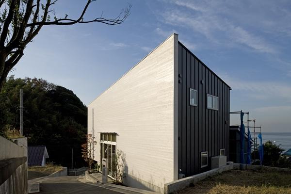 秋谷の家の部屋 外観2(撮影:淺川敏)