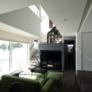 富谷洋介の住宅事例「中二階が繋ぐ家」