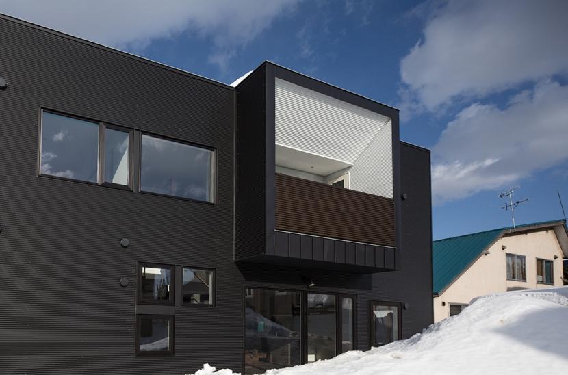 中二階が繋ぐ家の写真 外観