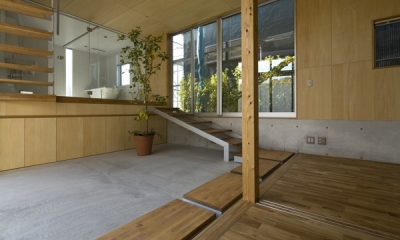 秋谷の家 (玄関(撮影:淺川敏))