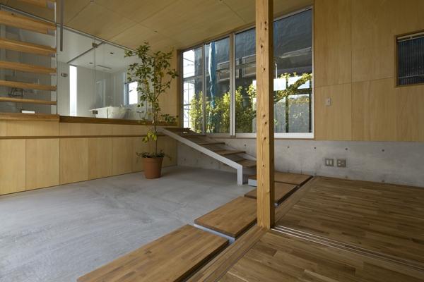 秋谷の家の部屋 玄関(撮影:淺川敏)