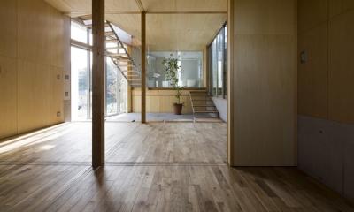 秋谷の家 (広間から眺める(撮影:淺川敏))