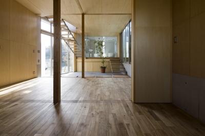 広間から眺める(撮影:淺川敏) (秋谷の家)