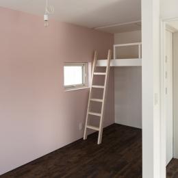 中二階が繋ぐ家