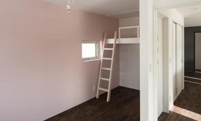 中二階が繋ぐ家 (子供部屋)