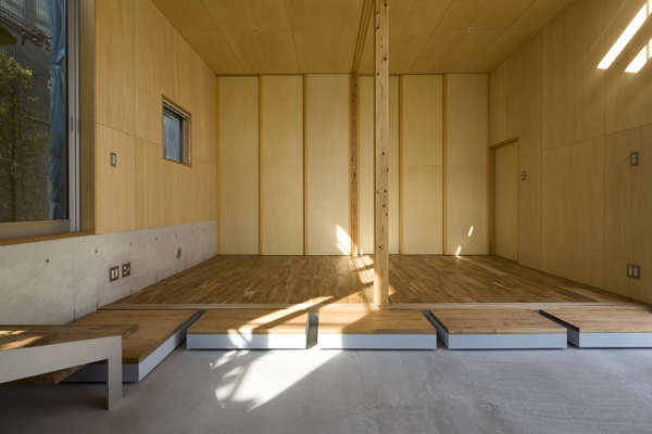 秋谷の家の部屋 広間(撮影:淺川敏)