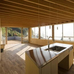 秋谷の家 (キッチン(撮影:淺川敏))