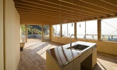 キッチン(撮影:淺川敏)|秋谷の家
